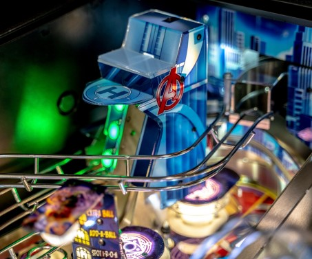 AVENGERS INFINITY QUEST PREMIUM PINBALL Image - Click To Enlarge